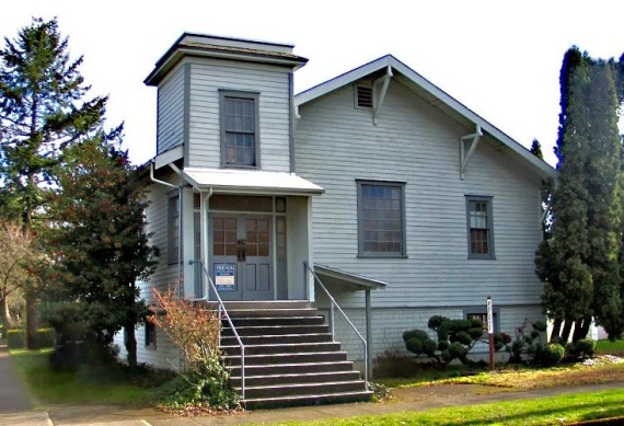 Salem, Oregon Church of the Nazarene, 1913-1931. Currently the Friends Meeting House (photo from salem-heritage-network-blogspot).